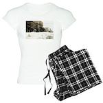 Snowed-in Front Street Women's Light Pajamas