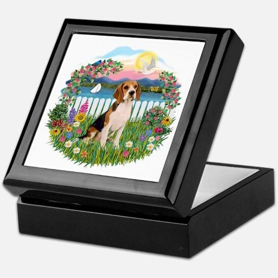 Garden-Shore-Beagle#3 Keepsake Box