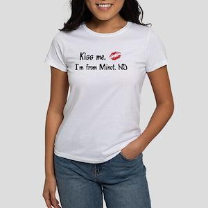 Kiss Me: Minot Women's T-Shirt