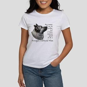 Elkhound Mom Women's T-Shirt