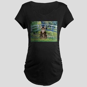 Bridge / Brown tabby cat Maternity Dark T-Shirt
