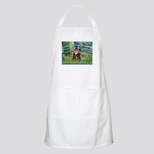Bridge / Brown tabby cat Apron