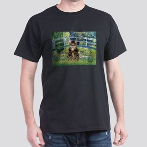 Bridge / Brown tabby cat Dark T-Shirt