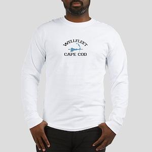 """Wellfleet MA """"Varsity"""" Design. Long Sleeve T-Shirt"""