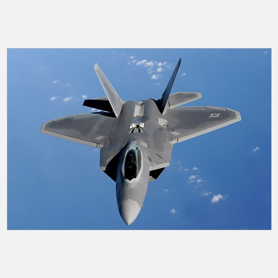 An F22 Raptor moves into position to receive fuel