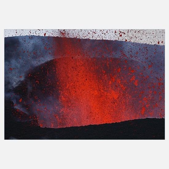Fimmvrduhals eruption lavafountains Eyjafjallajkul