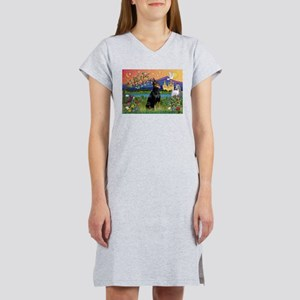 Doberman Fantasyland Women's Nightshirt
