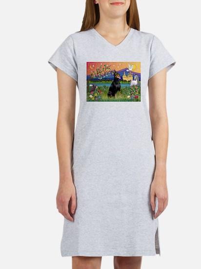 Doberman Fantasyland Women's Nightshirt