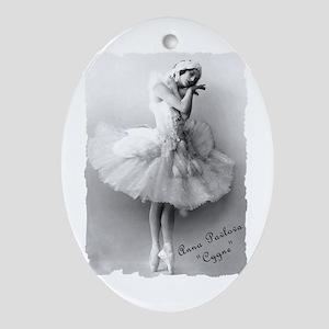 """Anna Pavlova, """"Cygne"""" Oval Ornament"""