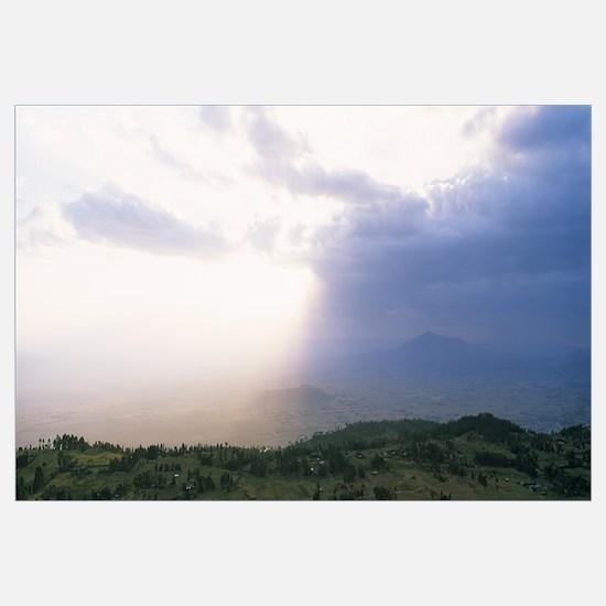 Sunbeams radiating through clouds, Great Rift Vall