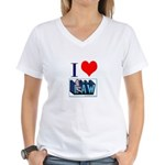 I love law Women's V-Neck T-Shirt