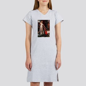 Accolade / 2 Pugs Women's Nightshirt