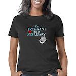 Im Pregnant due in Februar Women's Classic T-Shirt