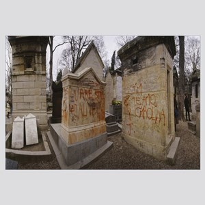 Tombstones in a graveyard, Pere Lachaise Cemetery,