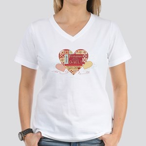 Friendships are like Quilts i Women's V-Neck T-Shi