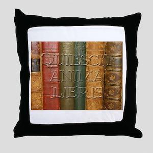 """""""Quiescit Anima Libris"""" Throw Pillow"""