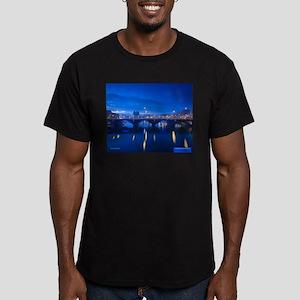 Belfast, Ireland Men's Fitted T-Shirt (dark)