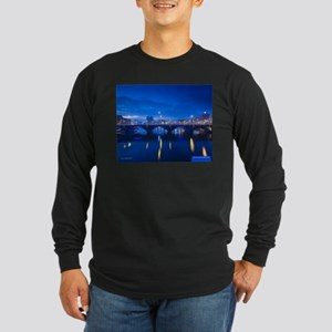 Belfast, Ireland Long Sleeve Dark T-Shirt