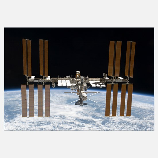 The International Space Station in orbit above Ear
