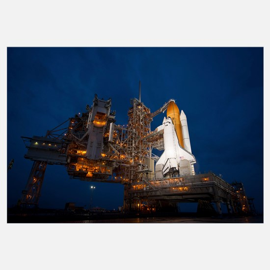 Night view of space shuttle Atlantis on the launch