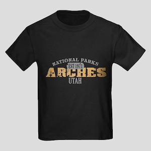 Arches National Park Utah Kids Dark T-Shirt