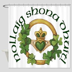 Gaelic Claddagh Christmas Shower Curtain