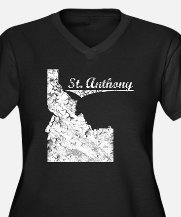 St. Anthony, Idaho. Vintage Women's Plus Size V-Ne