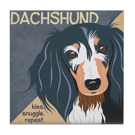 Dachshund-Kiss.Snuggle.Repeat. Tile Coaster