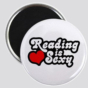 Reading is sexy Magnet