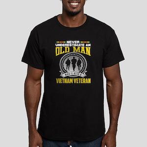 Never underestimate OLD MAN is VIETNAM VET T-Shirt
