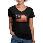 Malaysia Flag Women's V-Neck Dark T-Shirt
