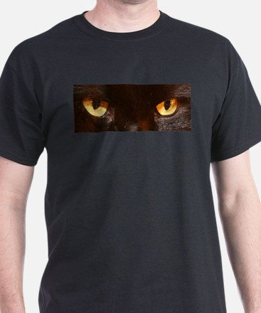 black cat eyes Black T-Shirt