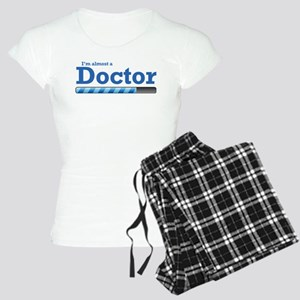 I'm almost a doctor Women's Light Pajamas