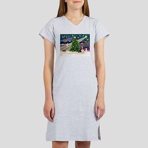 Xmas Magic - Basset Women's Nightshirt