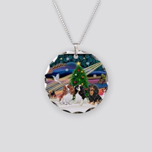 XMAS MAGIC / 3 Cavaliers Necklace Circle Charm