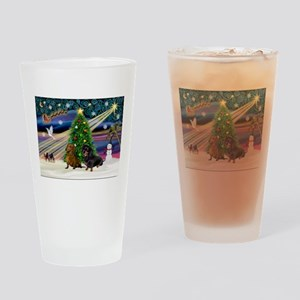 XmasMagic/2 Dachshund (BB) Drinking Glass
