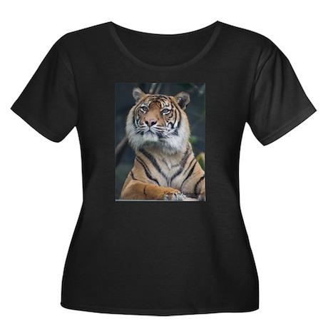 Tiger Women's Plus Size Scoop Neck Dark T-Shirt