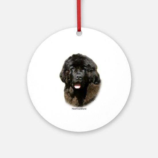 Newfoundland pup 9T086D-104 Ornament (Round)