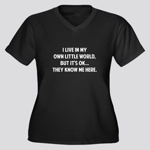 They Know Me Here Women's Plus Size V-Neck Dark T-