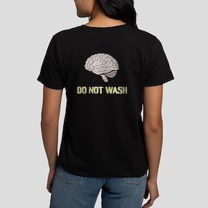 DO NOT WASH BRAIN Women's Dark T-Shirt