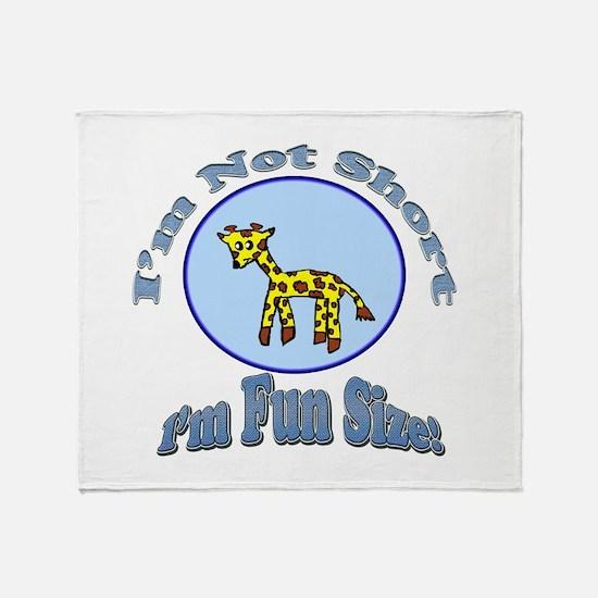 Im not short Giraffe Throw Blanket