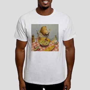 Bear tossing Salad Light T-Shirt