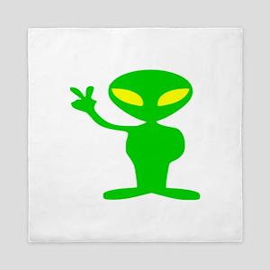 aliens for peace copy Queen Duvet