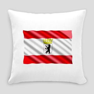 Berlin Flag Everyday Pillow