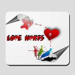 Love really hurts Mousepad