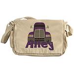 Trucker Riley Messenger Bag