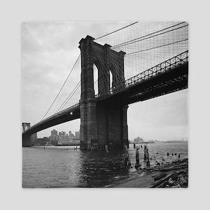 Brooklyn Bridge Black and White Photog Queen Duvet
