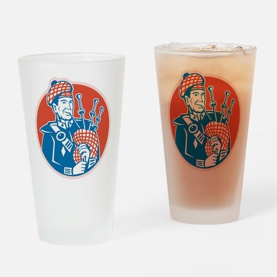 Scotsman Scottish Bagpiper Retro Drinking Glass