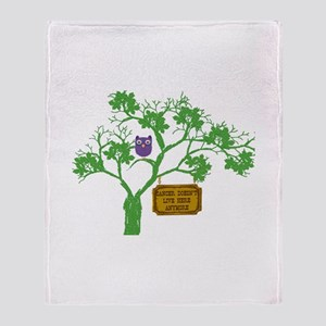 Cancer Doesn't Live Tree Owl Throw Blanket