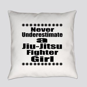 Never Underestimate Jiu-Jitsu Figh Everyday Pillow